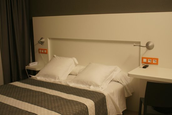 Bed4U Castejón : cama