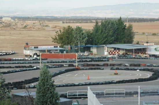 Bed4U Castejón : Zona de karts