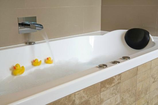 Clydesdale Manor: Rubber Duckies are optional!