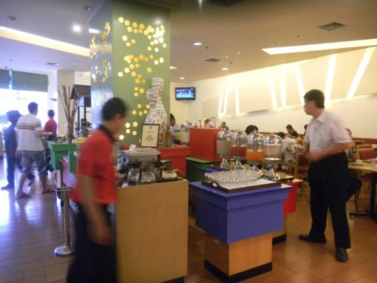 Hotel Ibis Yogyakarta Malioboro: Breakfast Area
