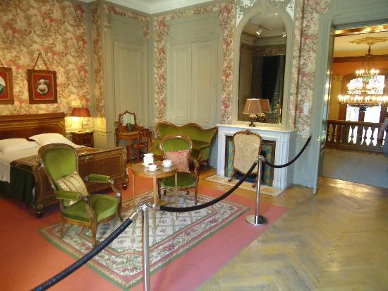 Institut & Musee Lumiere: Bedroom