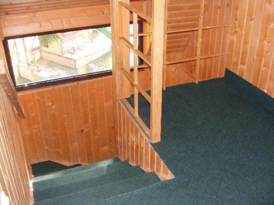 TraveLand Poiana Brasov: Stairs to the first floor