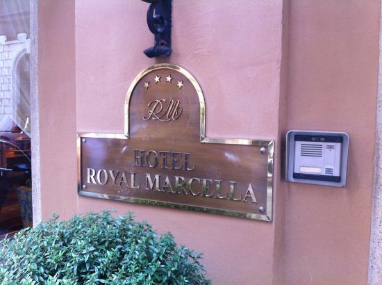 Marcella Royal Hotel: Accueil de l'hôtel