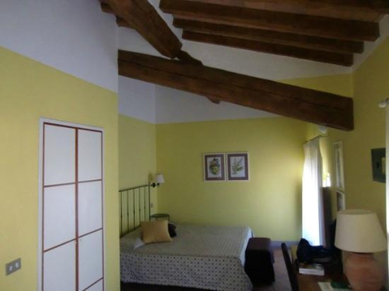 Villa Ducci: Habitación