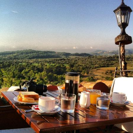 Finca Es Castell: Breakfast view