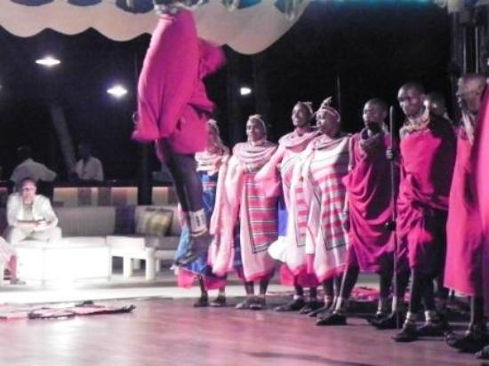 Diani Reef Beach Resort & Spa: Maasai Warriors
