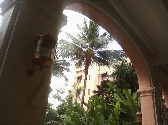 The Royal Hawaiian, A Luxury Collection Resort, Waikiki: View from loggia chairs, main archway.