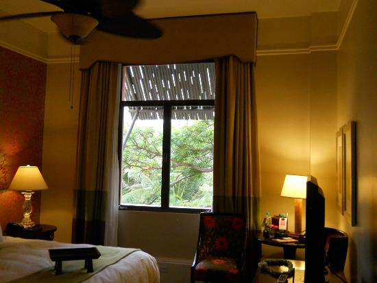 The Royal Hawaiian, a Luxury Collection Resort: Window of Rm. 340.