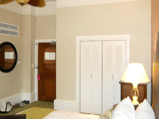 The Royal Hawaiian, A Luxury Collection Resort, Waikiki: Front door and closet of Rm. 340.