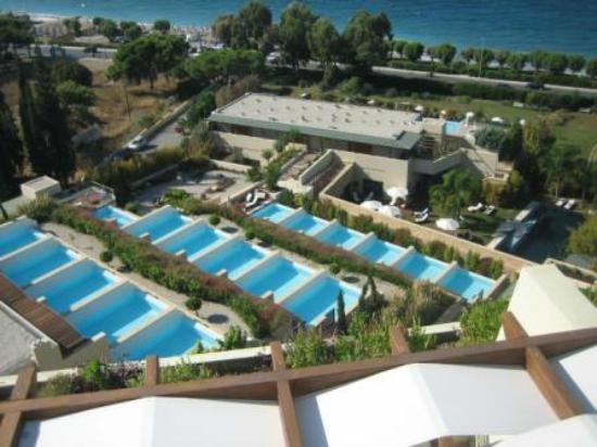 Amathus Elite Suites: Elite Suites with pools from top of hotel