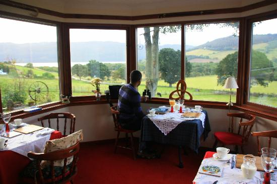 Drumbuie Farm: Breakfast with a view