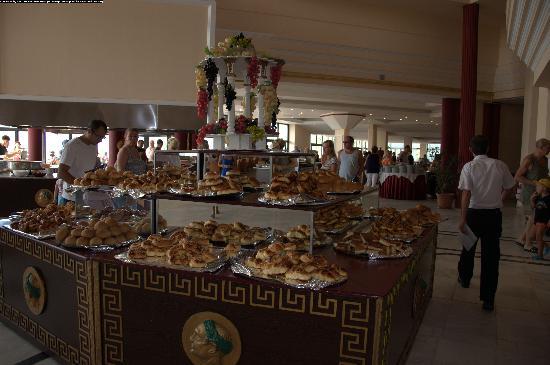 Cesars Resort Side: в ресторане