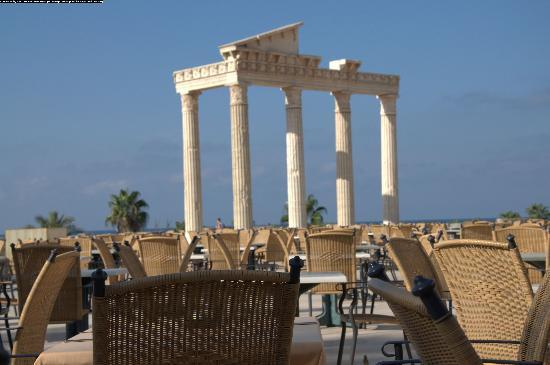 Cesars Resort Side: красивый вид из ресторана