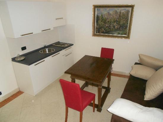 Hotel Leon D'Oro: cucina attrezzata