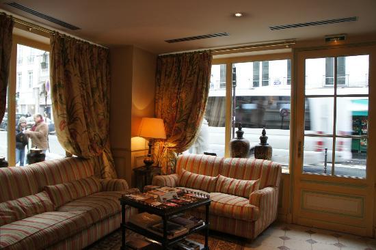 Le Relais Saint-Honore: ホテルの玄関とラウンジスペース
