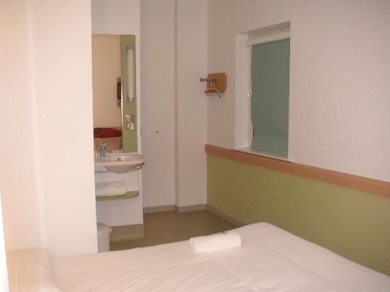 Hotel ibis budget Leeds Centre: Room