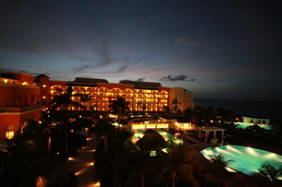 Iberostar Rose Hall Suites : Night View from Room