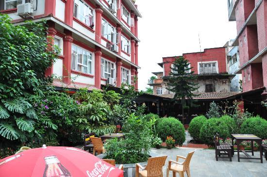 Hotel Encounter Nepal: garden and room exteria 