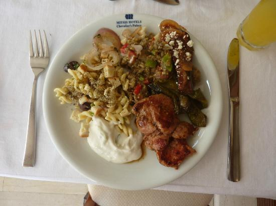 Mitsis Petit Palais Beach Hotel : Typical selection from the buffet