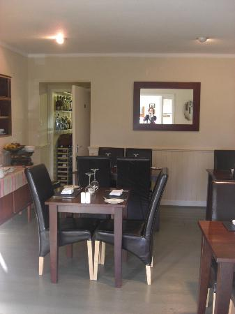 The Glenview: Dining room