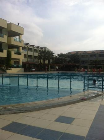 Luana Hotels Santa Maria : pool, bar and snack bar
