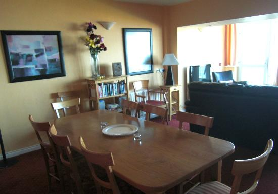 Ballygally Holiday Apartments: Dining Area