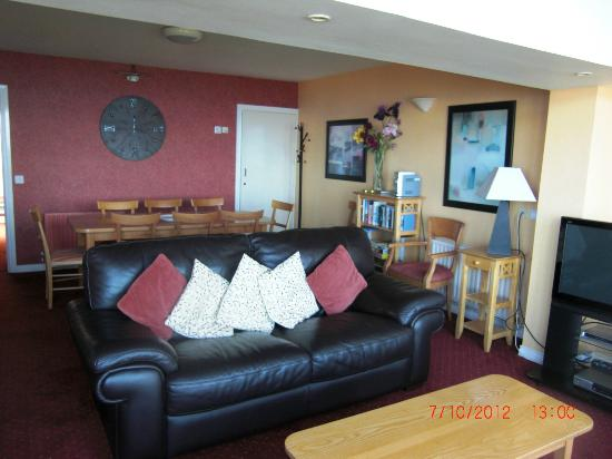 Ballygally Holiday Apartments: Living Room