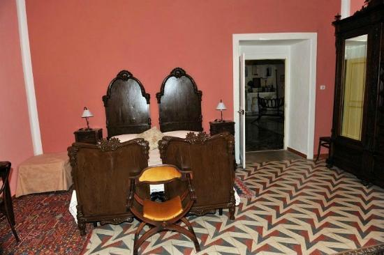 """B&B Al Castello : La stanza da letto """"La Torretta"""""""