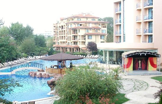 Tiara Beach: view of poolarea