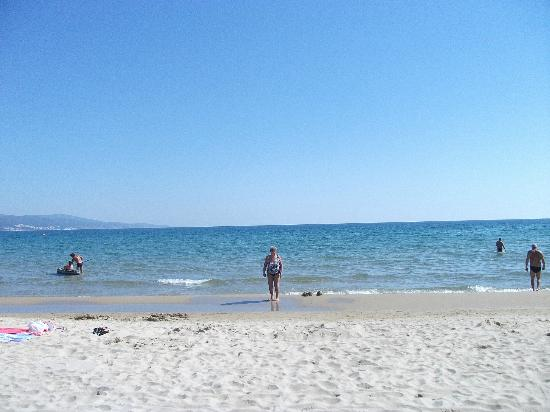 Tiara Beach: sunny beach