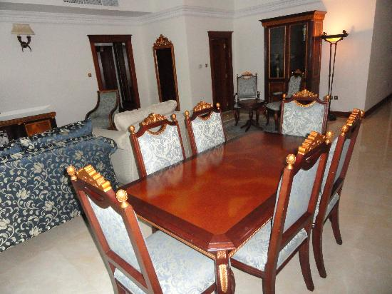 Grand Excelsior Hotel Bur Dubai: Dining room Viceroy Suite