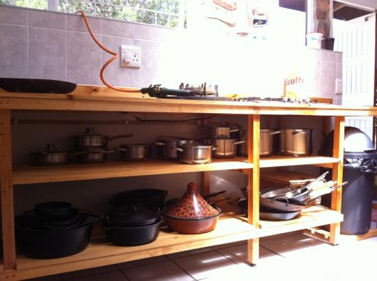 Rocky Road Backpackers: the most well equipped kitchen we came across so far