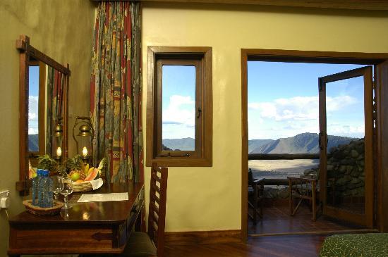 Ngorongoro Serena Safari Lodge: Outside view from the room