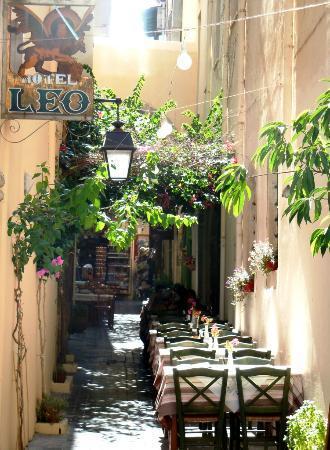 Hotel Leo: Breakfast area