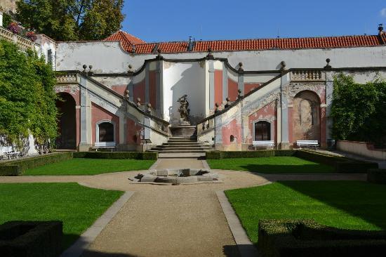 Furstenberg Garden: courtyard near entrance