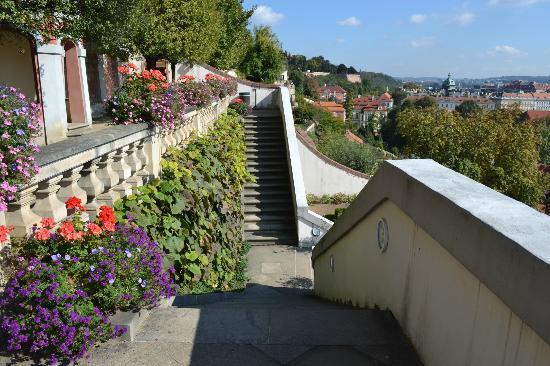 Furstenberg Garden: top of garden near exit to castle