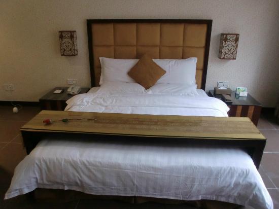 Valley View Hotspring Resort : bed
