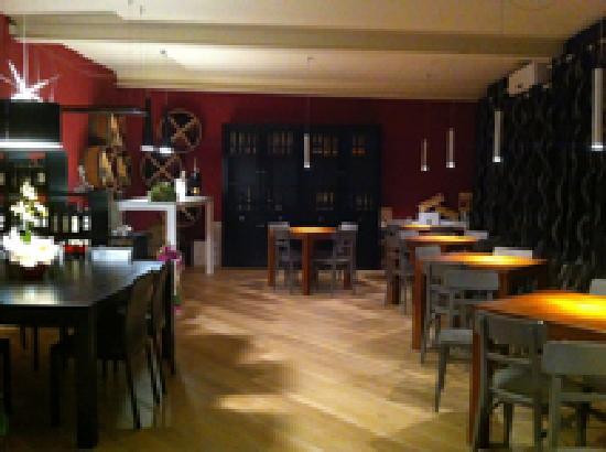 La Cantina di Gio - Winebar & Food: getlstd_property_photo