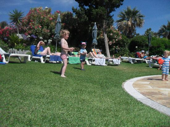 Vila Galé Ampalius: Jardins da Piscina Infantil