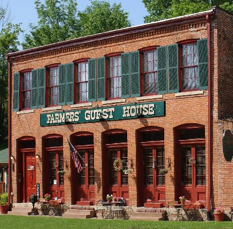 Farmers Guest House: The Farmers Guest House - Galena's only 1800's Restored Inn