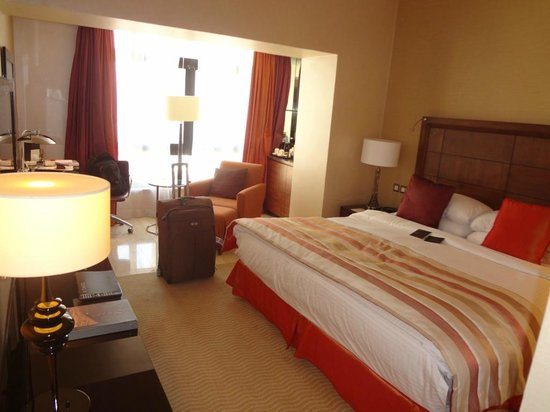 InterContinental Amman: Another shot of inside my room. Nice and spacious