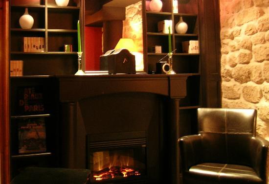 Hotel Prince de Conde: SALON AU COIN DU FEU