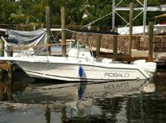 Silver Palm Marine: Our 24' Robalo will get you on the big fish!