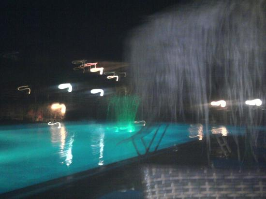Elounda Residence: pool at night