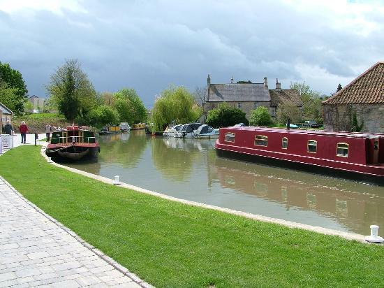 Kennet & Avon Canal: Bradford-on-Avon Wharf