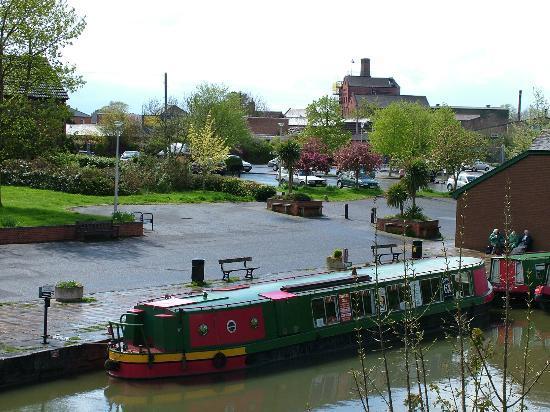 Kennet & Avon Canal: Devizes Wharf