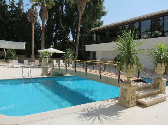 Amman International Hotel: piscine