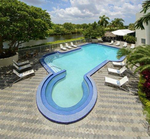 Sheraton Miami Airport Hotel: Patio & Pool