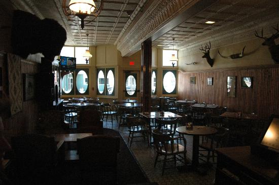 هوتل إكلوند: First view of bar area 
