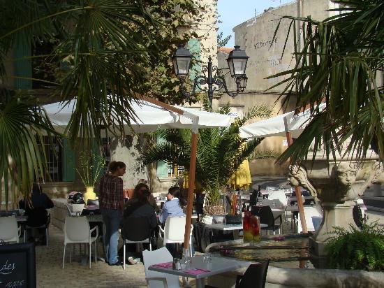 A la Maison : terrasse du restaurant